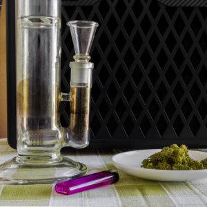 大麻とボング