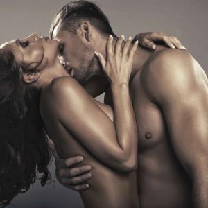 セックスをする男女