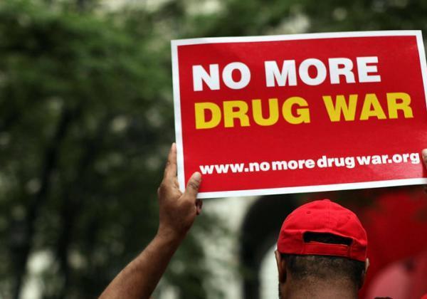 薬物の非犯罪化