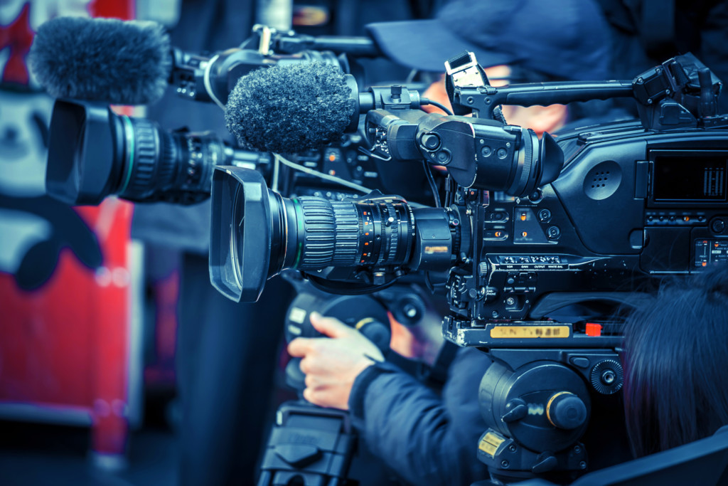 ビデオカメラ マスコミ