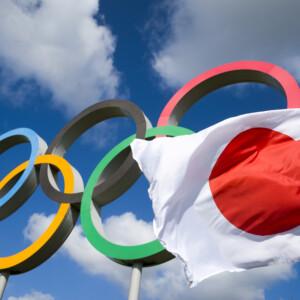 日本国旗と五輪
